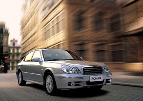 北京现代索纳塔是引进韩国现代索纳塔最新的第七代车型,在经历了