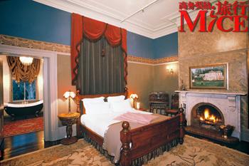 都能住到各种看得见风景的房间里:从豪华酒店到很有韵味的乡村旅馆