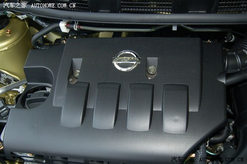 『发动机则和tiida相同 配备cvt变速器和5速手动变速器 图为骐达1.